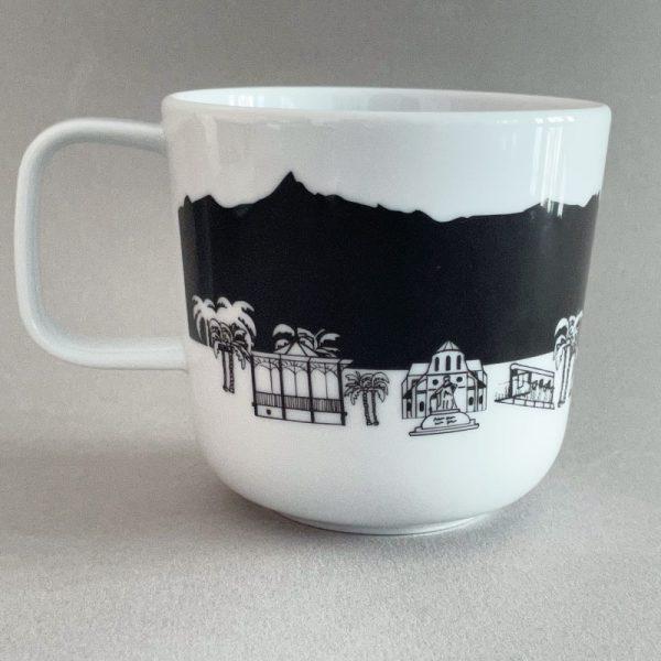 le mug Les chauvins est une création exclusive pour les chauvins par Assiettes & compagnie : une série d'objets culinaires qui met en valeur la ville de Pau et son art de vivre